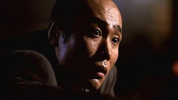 """"""" - Non ! Il a osé ! Le chacal, il va le payer de sa vie ! Donne-moi mon couteau à sashimi !"""""""