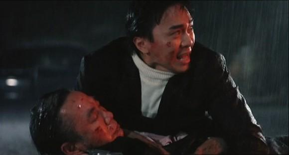 La rivalité entre frères d'armes est le thème invincible de la filmographie de Woo.