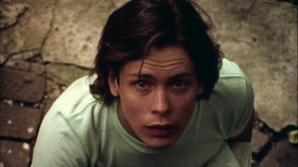 Avec son air angélique, Martin ressemble à l'innocent idéal.