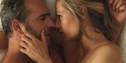 Les scènes de sexe sonnent vraiment juste, même si les mimiques de l'actrice prêtent à sourire.
