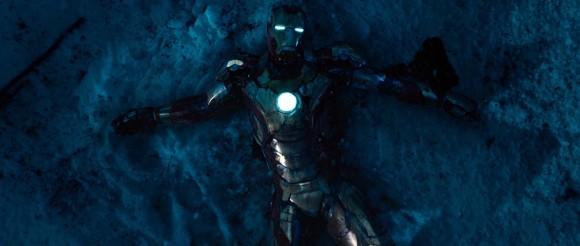 Les liens homme/machine ne sont jamais tissés. On survole toute la mythologie du super héros !